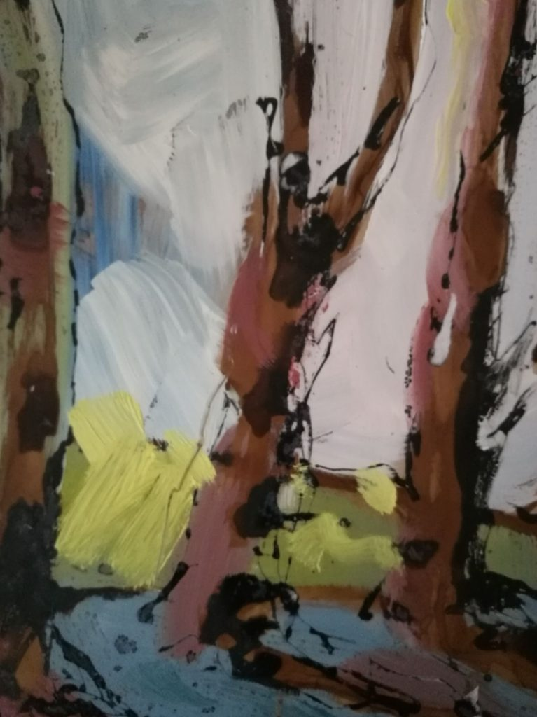 troncs d'arbres peints par Albane Paillard-Brunet, artiste peintre plasticienne grenobloise